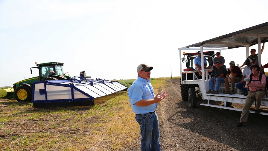 Field Day Highlights Current Research and New Spray Technology